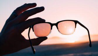 Sonnenbrille mit Korrektur – ein Muss für Brillenträger